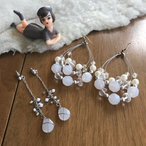 💎 Lot of 2 Pairs Silver Tone & White Earrings